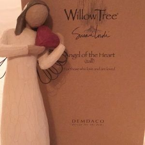Willow Tree Angel of the Heart (tall) figurine